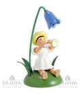 Blumenkind sitz. mit Glockenblume/Flöte